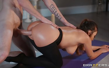 Doggy hardcore and sloppy blowjob by Alyssia Kent