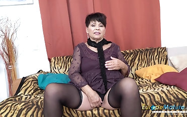 Mature gal from europe is loving free time solo getting off