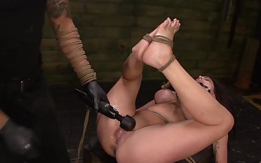Throating female slave treated by their way master with do violence to