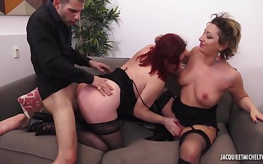 Mad supplicant fucks chubby mature and her daughter in threesome