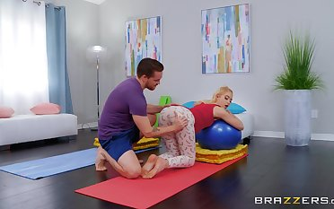 Perfect morning workout with the boyfriend in insane XXX scenes