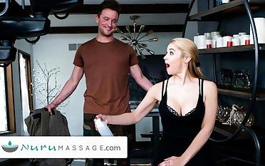 Sarah Vandella Gives A Pounding Facility In the air Her Military Stepson