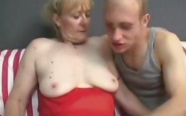 Granny's Hunger Be beneficial to Penis - Hot Mature Porn