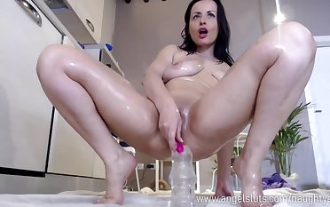 Nice Oiled Mommy Bitch Loves To Stuff Her Arse Around A Dildo
